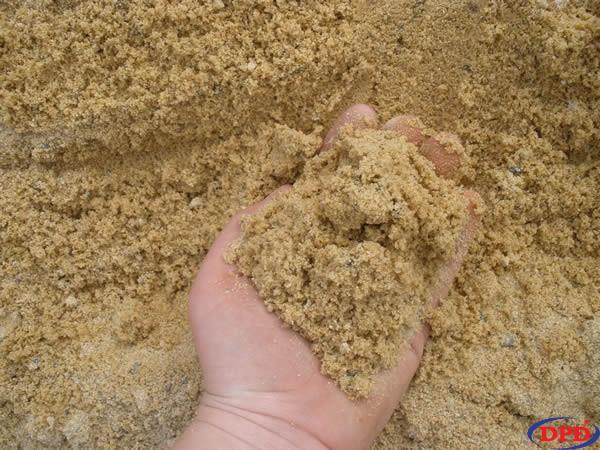 Nên chọn cát bê tông có thành phần tạp chất ít